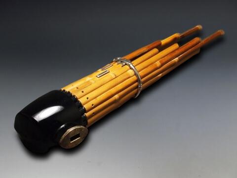 笙・龍笛・篳篥・鼓などの雅楽器を買取いたします。